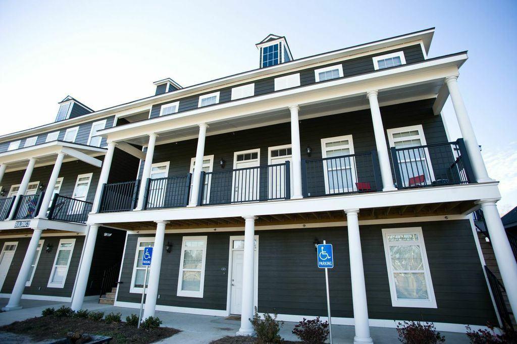 Student Housing Photos & Tour | Cottage Landing Lafayette LA